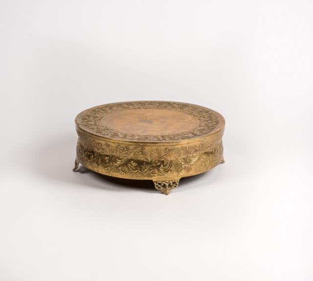 Where to find Cake Stand, Round Gold 18in in Columbia